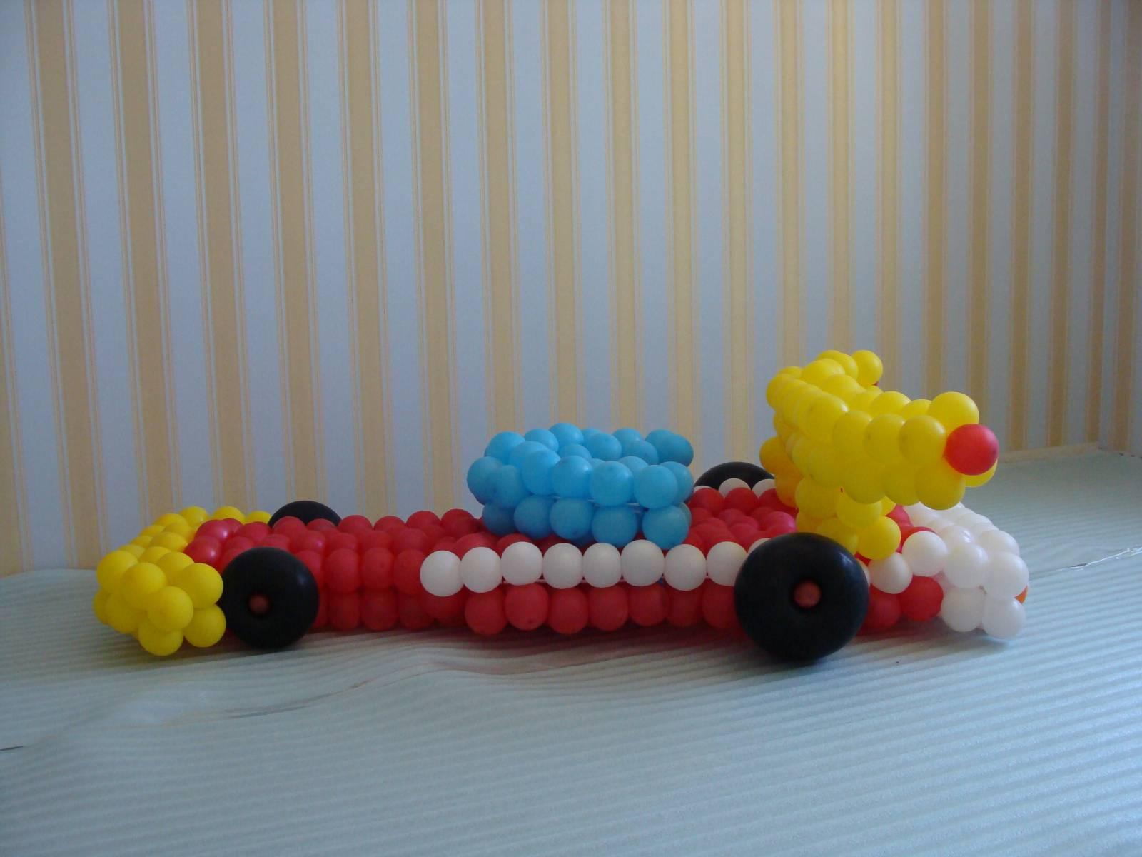 Машина из шаров фото 2