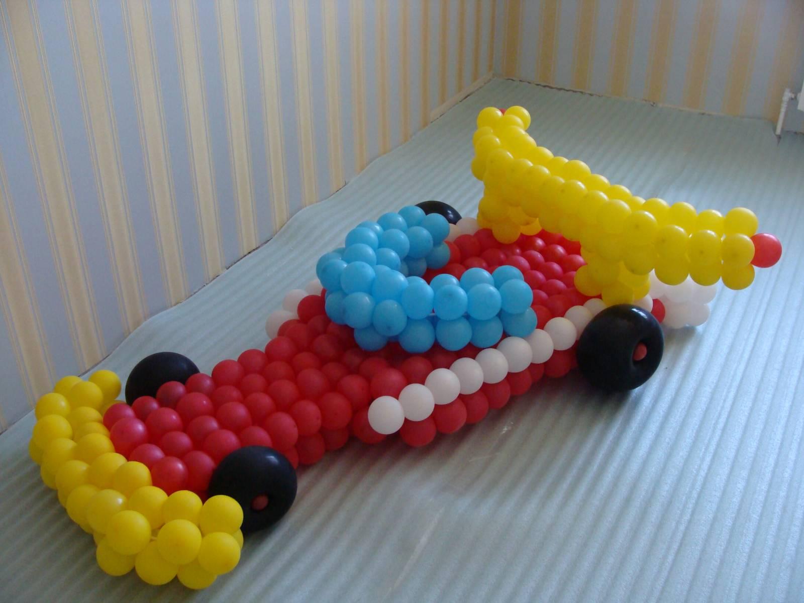 Машина из шаров фото 1